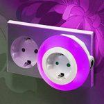 Auraglow Veilleuse automatique LED multicolore avec capteur photosensible pour une lumière du crépuscule à l'aube munie d'une prise électrique de la marque Auraglow image 1 produit