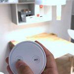 Douille sans fil Ampoule E27 avec télécommande magnétique ON/OFF support collant (LED, Halogène, etc) de la marque Lighting Arena image 2 produit
