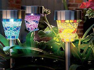 En acier inoxydable à énergie solaire mosaïque marocaine en bordure de jardin lanternes LED magnifique Nuit Lumière Lampe Déco Jardin Patio Soleil à Eco de la marque E-Bargains image 0 produit