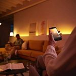 Philips Hue Ruban Lumineux Lightstrip Extension White And Color Ambiance de 1Mètres, Bande Flexible Lumineuse Contrôlée Par Smartphone - Lampe Led à Variation de Couleurs - Fonctionne avec Alexa de la marque Philips Lighting image 3 produit