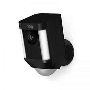 Ring Spotlight Cam avec batterie - Caméra de surveillance 1080 HD avec reflécteur LED, communication bidirectionnelle, alarme et connexion wi-fi, noire de la marque Ring image 0 produit