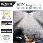 RuneSol® 86 LED Lampe | Plafonnier solaire avec batterie et détecteur de mouvements ampoules LED, Pack de 1 | Eclairage solaire de jardin LED projecteur – Eclairage de Patio, Haie, Jardin, Allées de la marque RuneSol image 1 produit